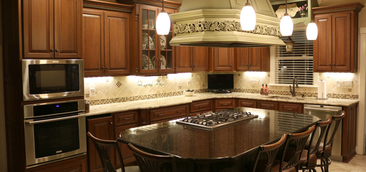 Decorative Dark Wood Kitchen Cabinets